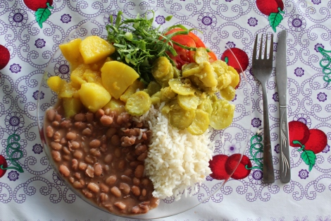 The typical dish: rice, beans, all kinds of veggies. Healthy, easy, cheap. I think we payed around 4 Euros for this